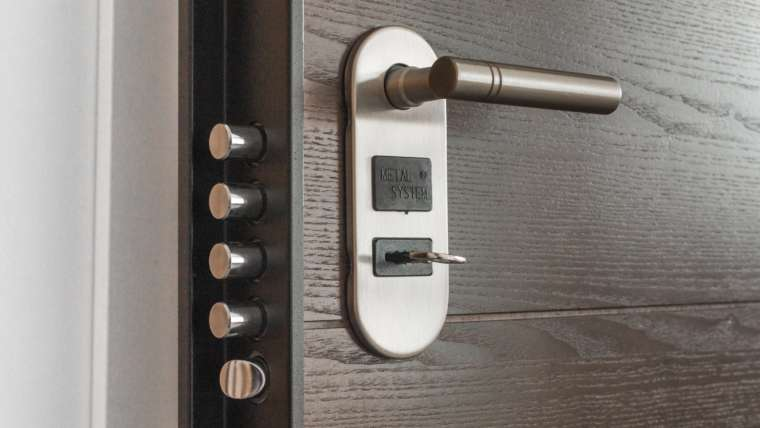 Find Good Locksmith Before You're Locked Out