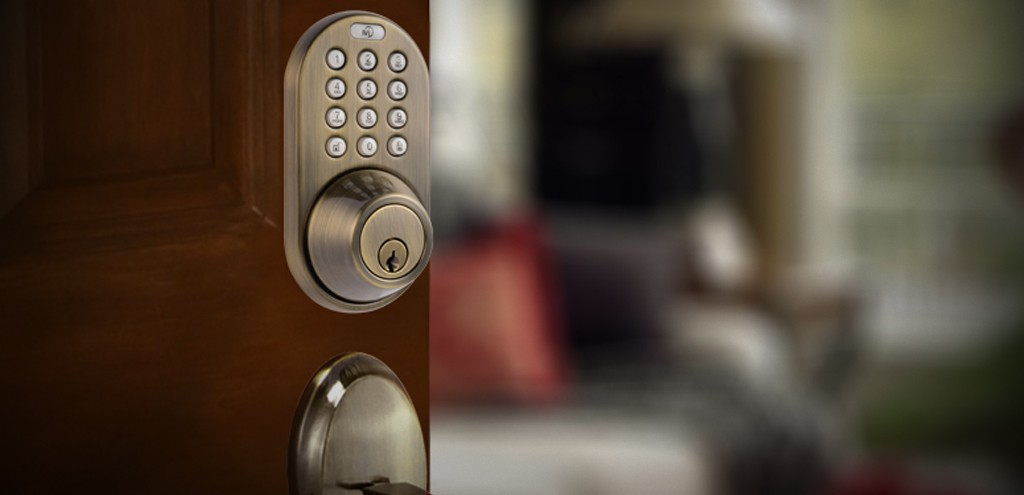 Pros & Cons of Keyless Door Locks